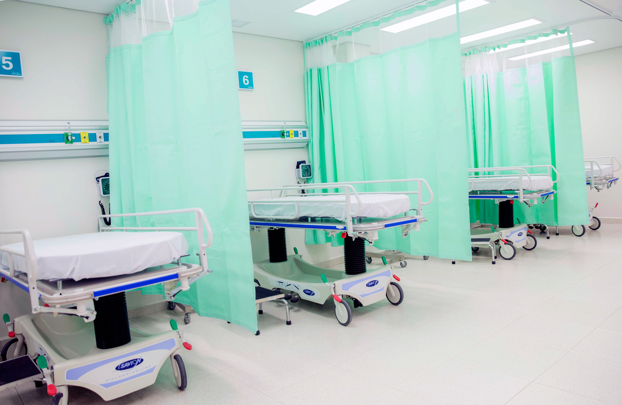 photo of an emergency room